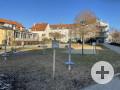 Spielplatz mit Slack-Line und Trampolin