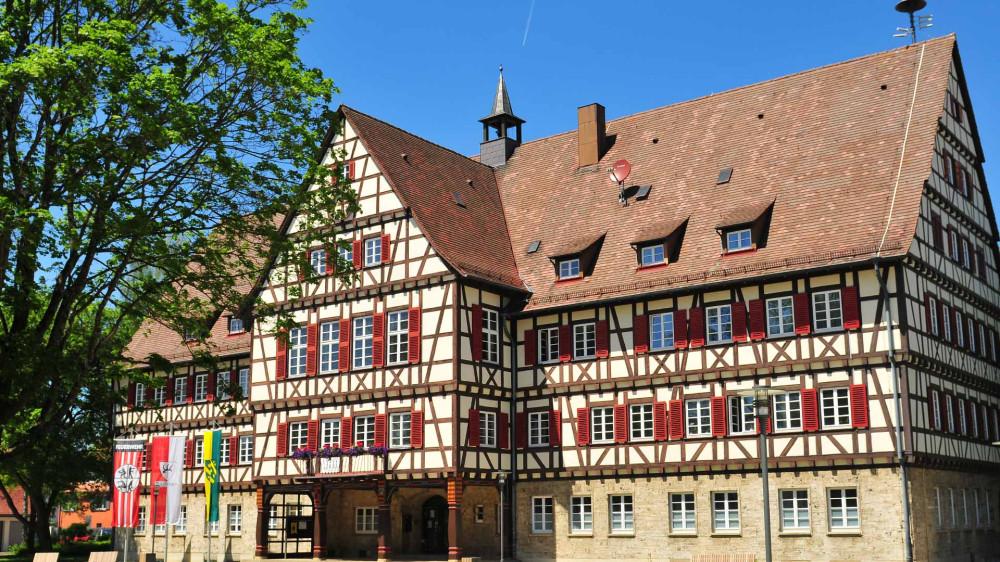 Blick auf das Münsinger Rathaus
