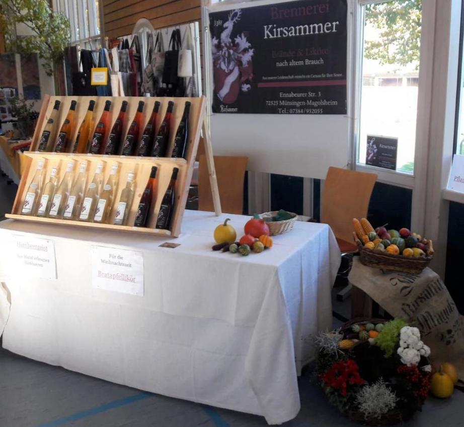 Brennerei Kirsammer_Verkaufsstand mit Schnäpsen und Likören